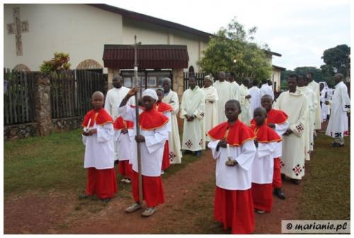 Cameroon: newly baptized Christians in our mission in Atok