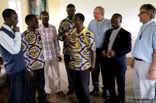 Kamerun: Święcenia prezbiteratu Cyryla Bounoungou MIC