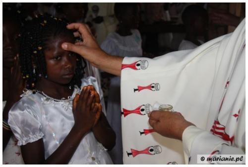 Kamerun: nowo ochrzczeni na naszej misji w Atok