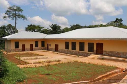Kamerun: poswiecenie drugiego budynku seminarium