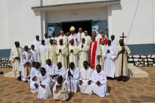 Kamerun: świecenia diakonatu